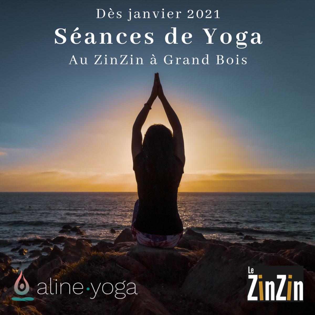 Une femme pratiquant la posture du lotus du Hatha yoga au coucher du soleil devant la plage